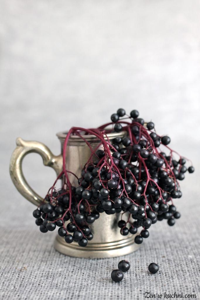 sok i dżem z czarnego bzu