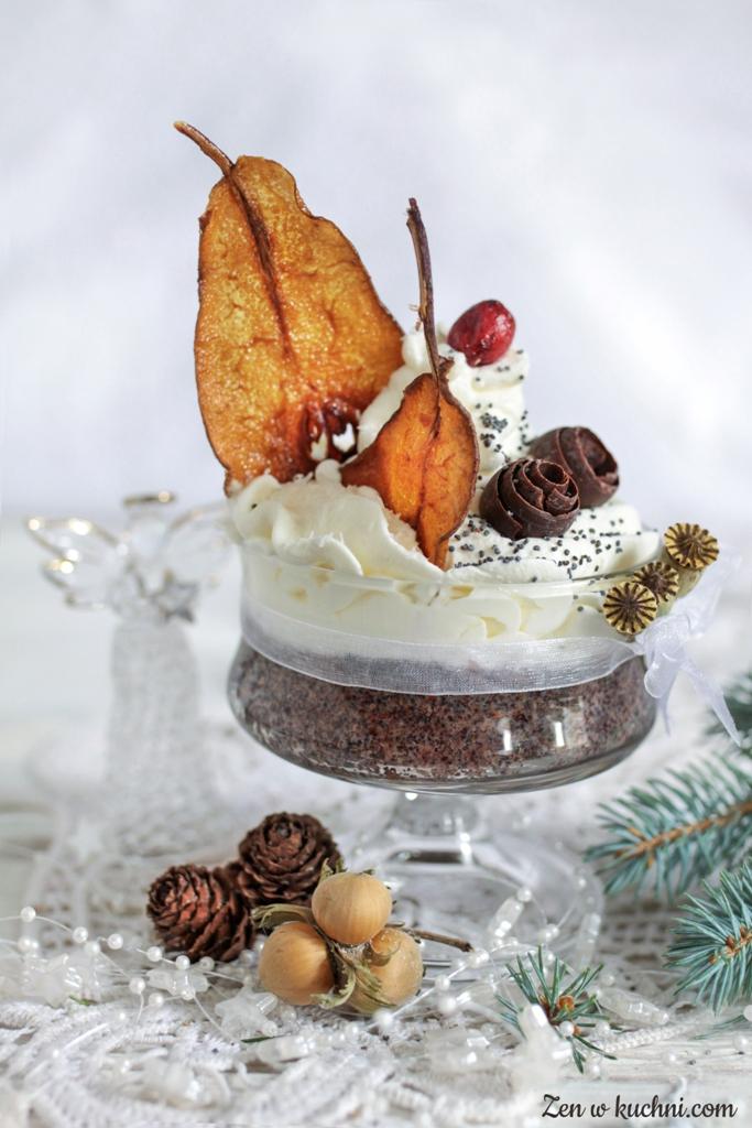 deser z makiem i karmelizowaną gruszką