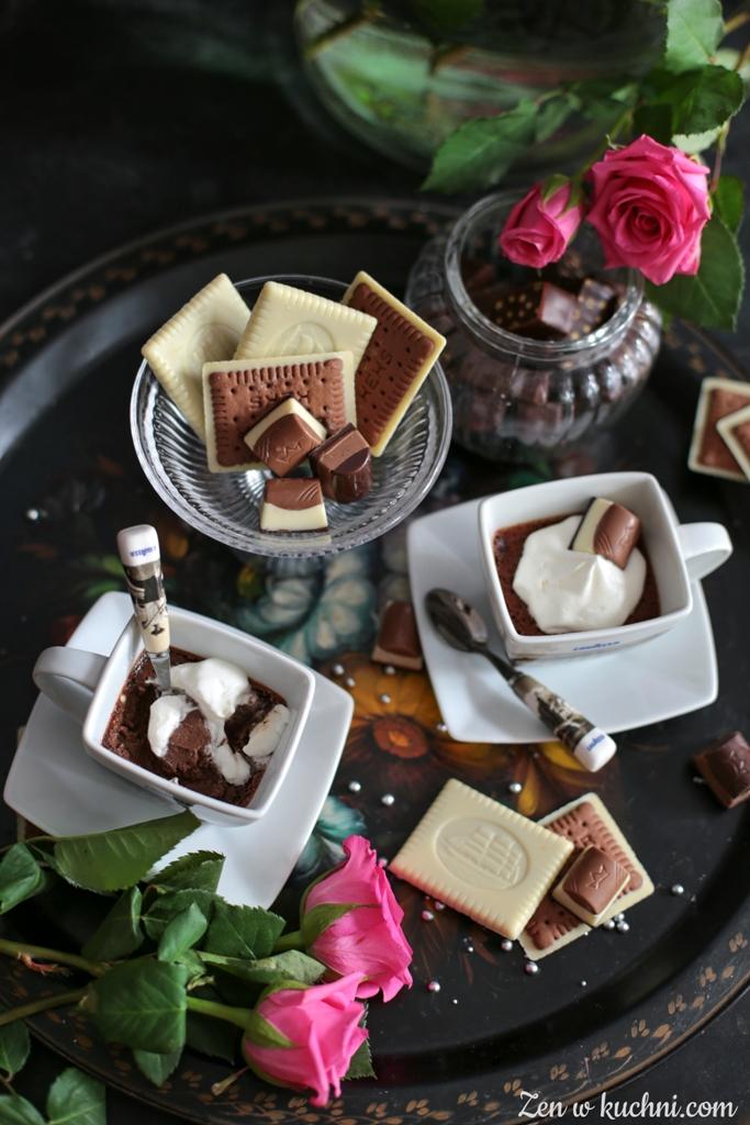 deser czekoladowy na ciepło