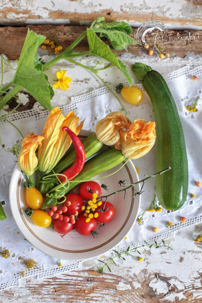 tarta z burakami, cukinią i kukurydzą