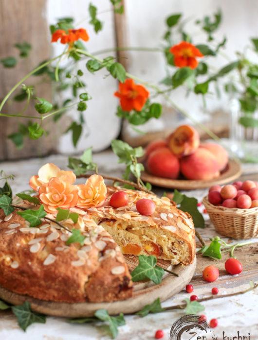 lekkie ciasto z owocami lata