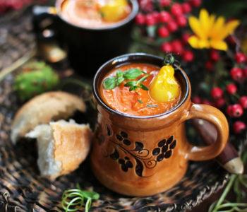 zupa z pieczonej dyni, pomidorów i papryki