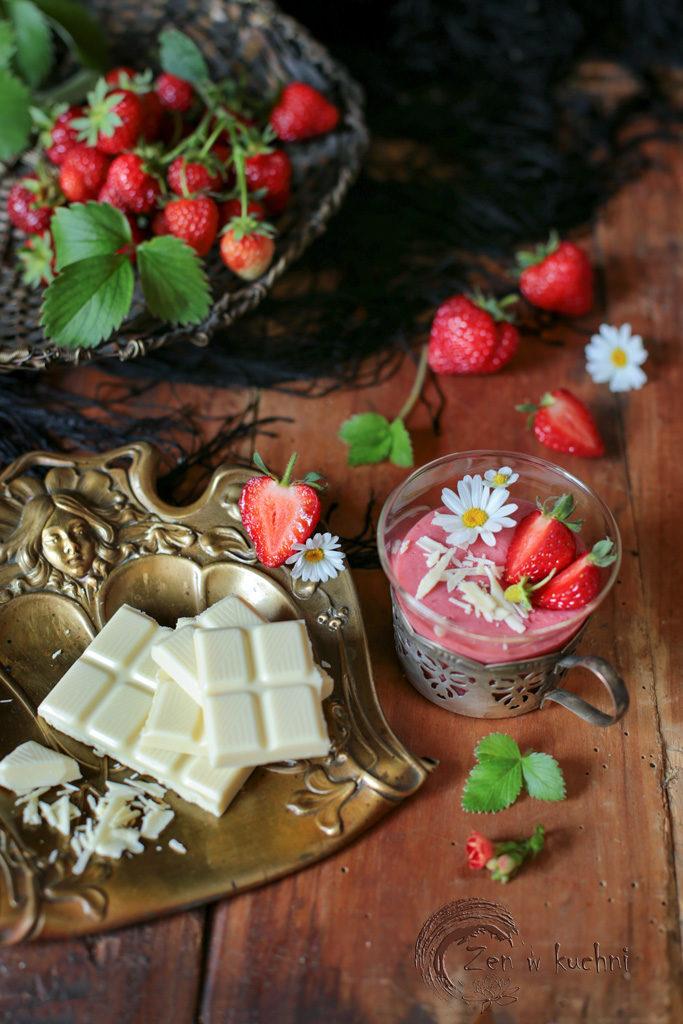truskawki z białą czekoladą