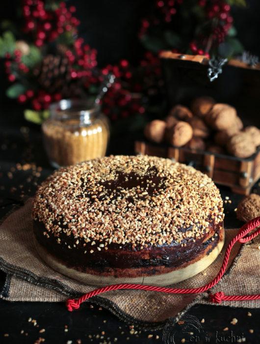 ciasto z masą makową i polewą daktylowo czekoladową