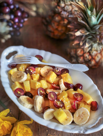 sałatka z ananasem i winogronami