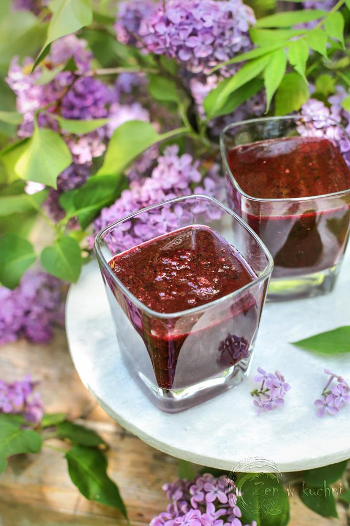 detoksujący koktajl z leśnych jagód