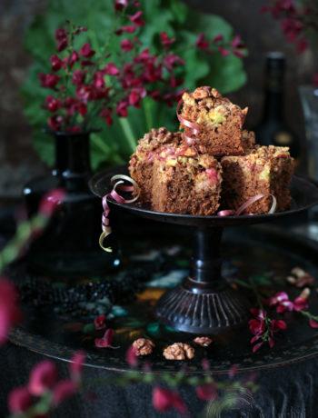 ciasto rabarbarowe z orzechami
