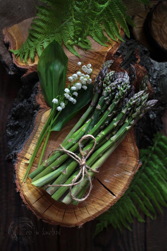 szparagi z kaszą jaglaną i buraczkami
