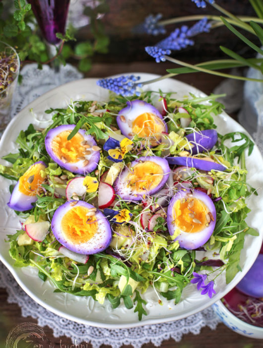 sałatka z marynowanymi jajkami
